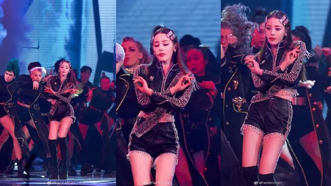 迪麗熱巴登上東方衛視跨年演唱會。(圖/摘自微博@FashionStars_)
