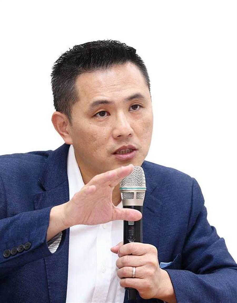 民黨不分區立委候選人陳以信說,民眾若被指控觸犯《反滲透法》,歷經起訴過程,不死也少半條命。(圖/報系資料庫)