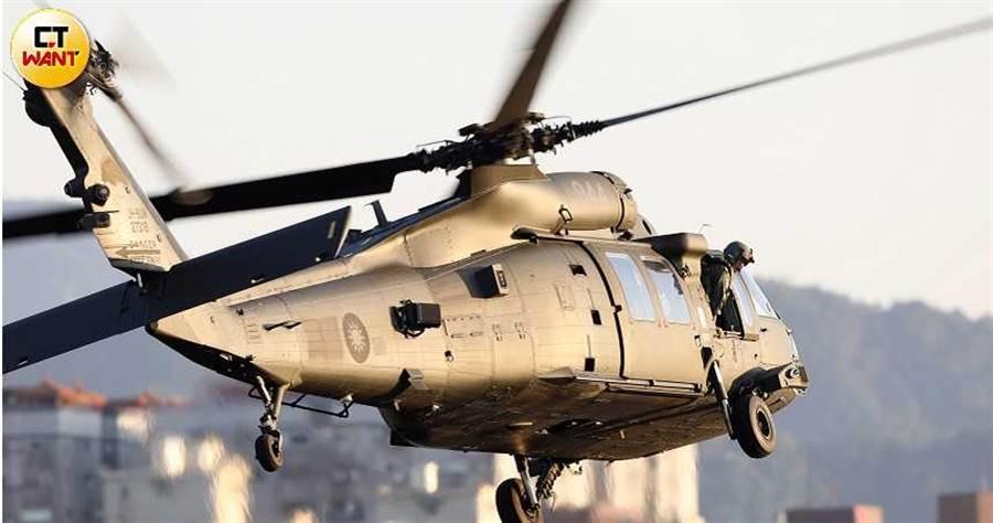目前全台竟只有一部直升機模擬器供作訓練,位於中部陸軍航特部六0二旅。