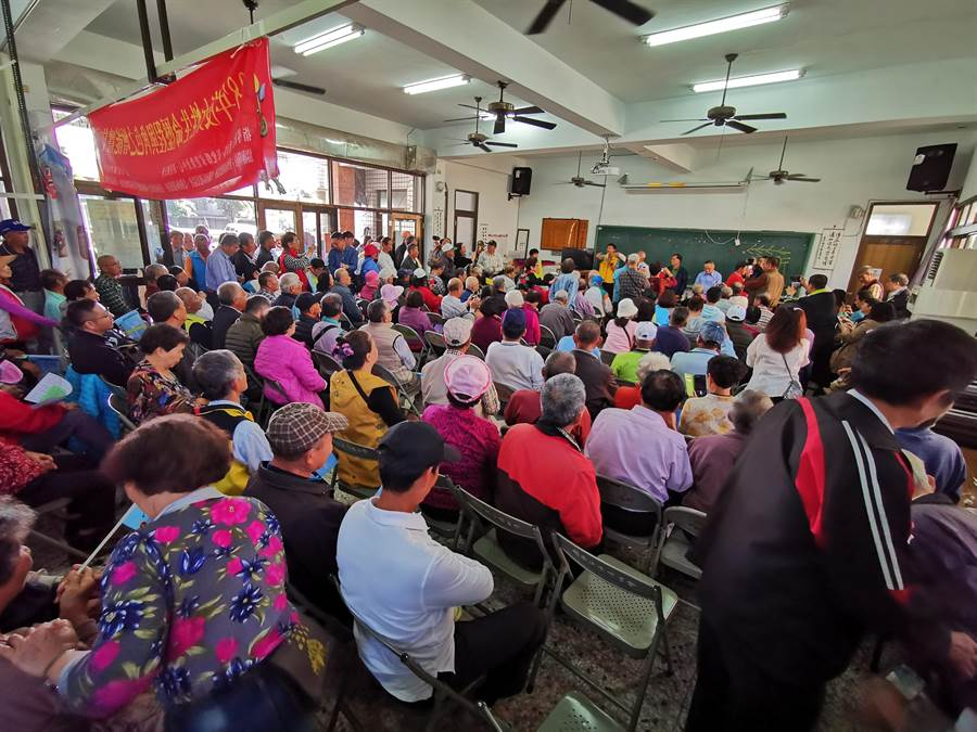 江昭儀說,阿扁聯絡他希望能夠拜訪他,他覺得機會難得,因此號召所有鄉親一起來舉辦這個便當會。(吳建輝攝)