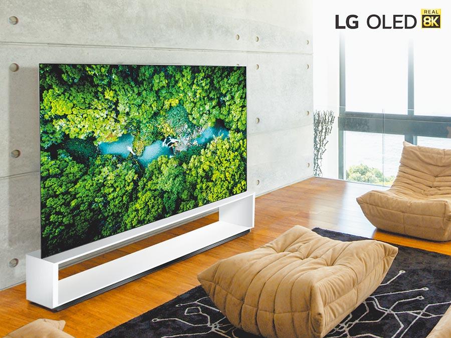 LG在CES 2020大展中除了現有的88型與75型8K電視以外,更加入77型與65型兩種新規格。(LG提供)