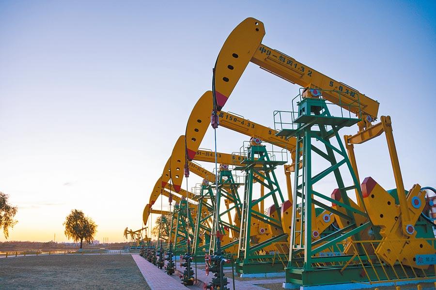 專家分析,美伊緊張局勢加劇,能源股將上漲。圖為大慶油田第一採油廠一景。(新華社資料照片)