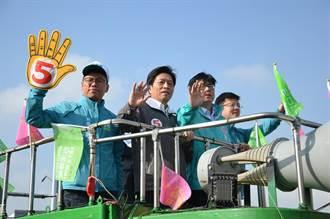 陪鄭寶清掃街 陳其邁:籲民眾支持