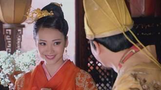 「陸版林志玲」柳岩封胸演孕婦 上演霸氣寵妃宮鬥情節