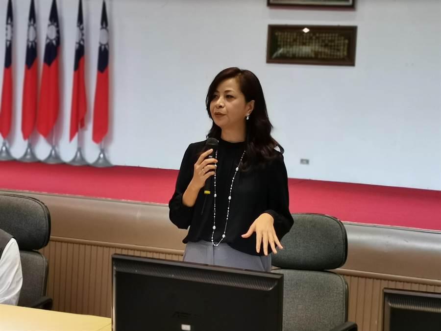 聯華生技公司董事長沈碧蘭出席捐贈儀式。〔謝明俊攝〕