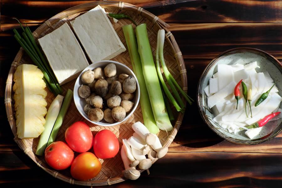 美國癌症名醫指出,吃大豆食品、番茄,能抑制癌症生長 降16%心血管風險。(達志)