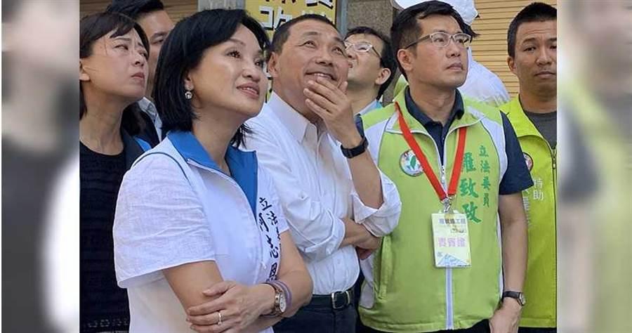 新北市長侯友宜跑行程時也常可見到藍綠民意代表在旁。(圖∕報系資料照)