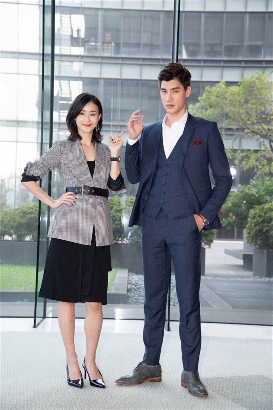 鍾瑶(左)、羅宏正合作新戲《跟鯊魚接吻》。(三立提供)