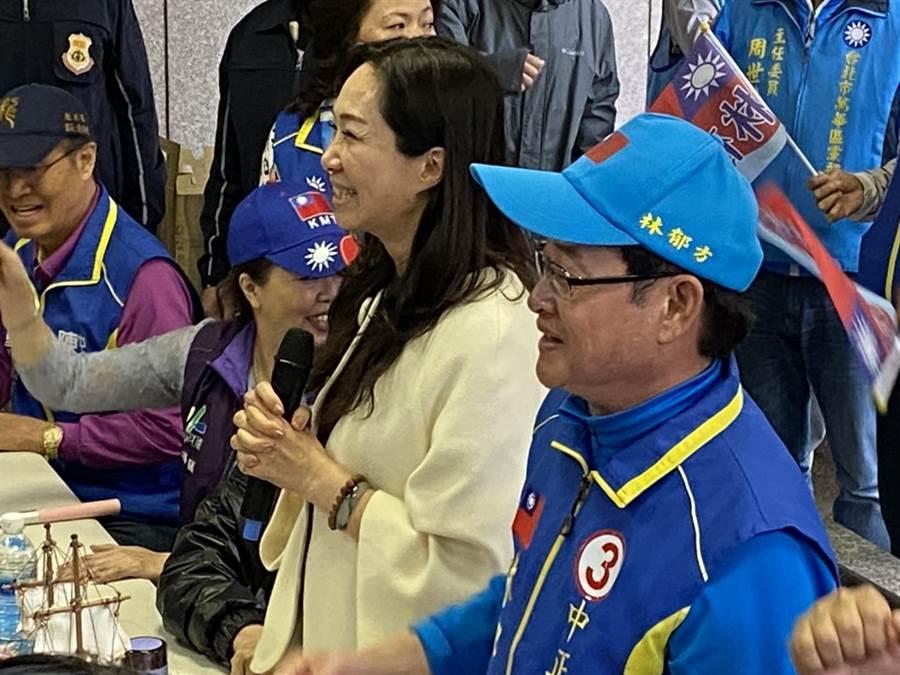 國民黨總統候選人韓國瑜的夫人李佳芬,今下午到第五選區替候選人林郁方輔選。(游念育攝)