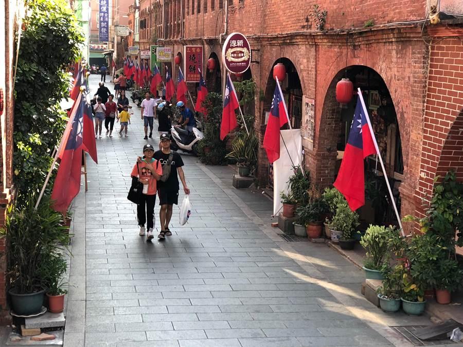 金門金城鎮擁有豐富多樣的人文景觀,圖為著名的老街「模範街」。(李金生攝)