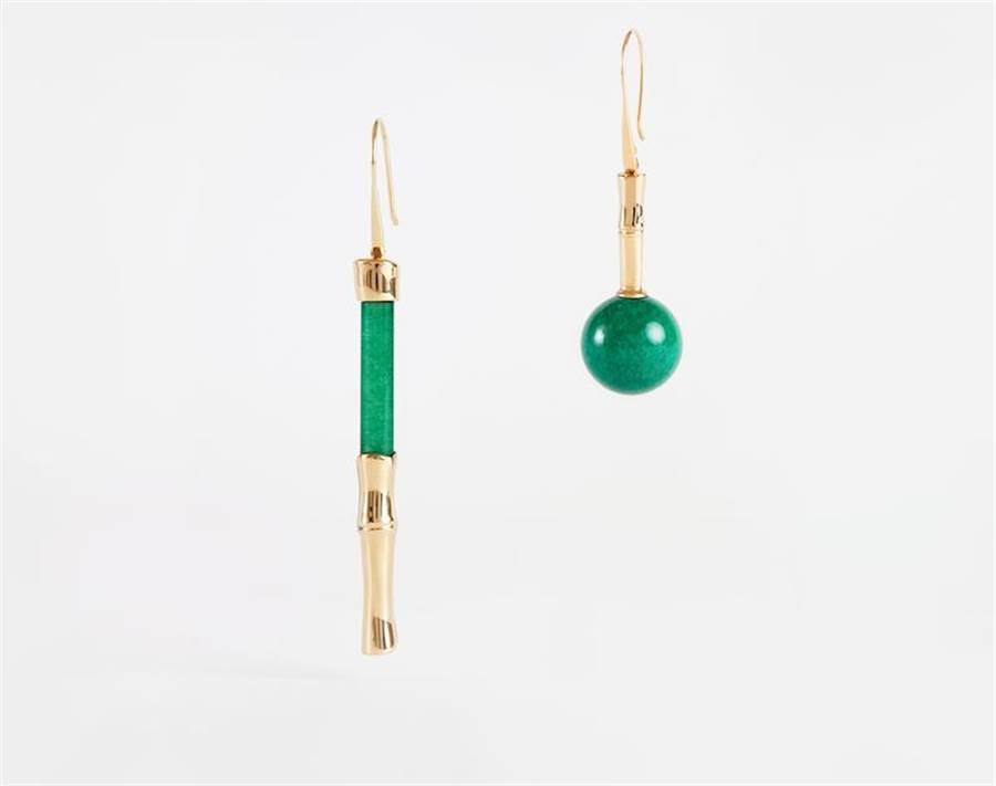 玉石不對稱耳環,1萬3800元。(夏姿提供)