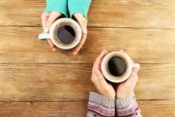 全家PK小7咖啡誰好喝?網友竟一面倒愛上它