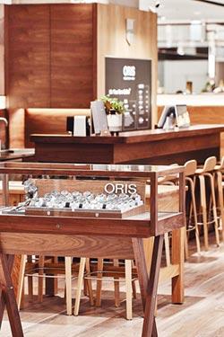 A13新店開幕 獨賣Movember蓄鬍特別版 ORIS咖啡複合店 貝加爾湖限量表全球首曝光