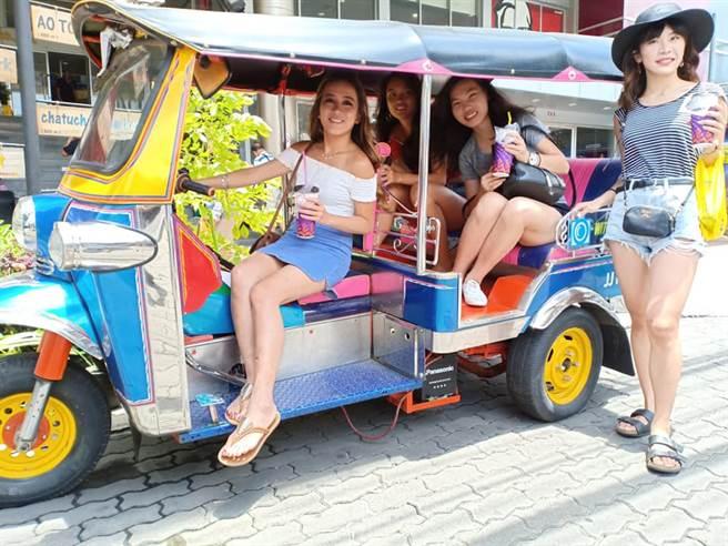 旅行社會安排符合在地特色的文化體驗更能深度旅遊。(樂活旅遊提供)