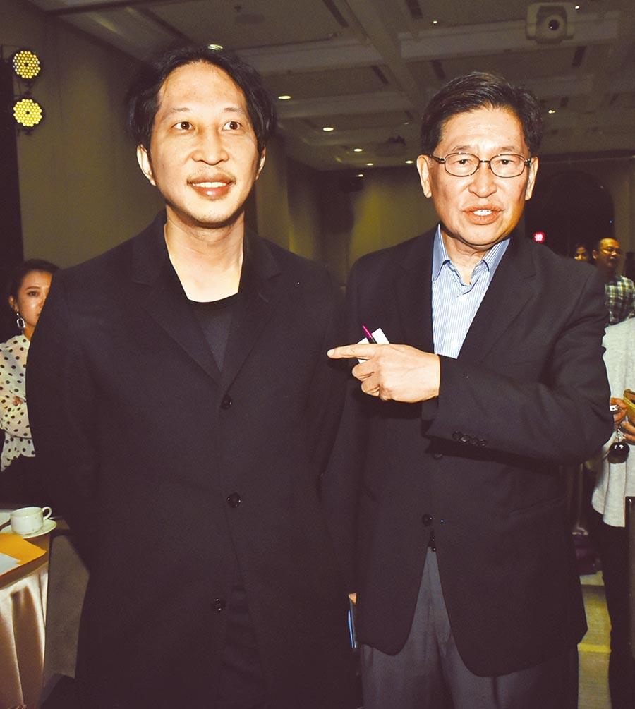 街口8日舉行「託付寶」上市記者會,執行長胡亦嘉(左)出席說明,前中華開發工業銀行董事長胡定吾(右)也到場力挺。圖/顏謙隆