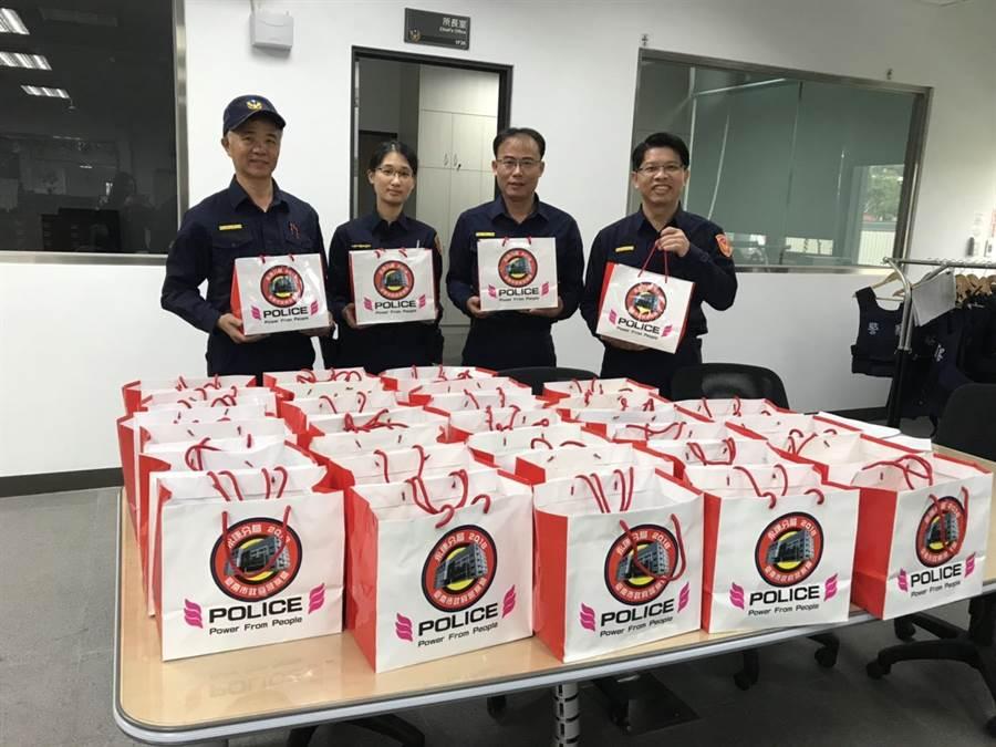 永康區是台南第一大票倉,選舉人數達18萬8000餘人,相關選務維安工作十分繁重,永康警分局備妥「能量補給袋」。(永康警分局提供/曹婷婷台南傳真)
