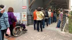各開票所紛湧入人潮 估拿700萬票應可當選總統!