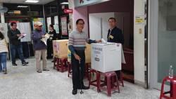 扁2度回台南投票 稱這票決定下代生活方式