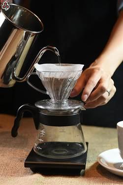 感冒藥加咖啡效果更強?專家這樣說