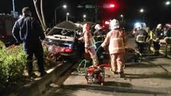 鶯歌驚傳死亡車禍 自撞分隔島釀1死2傷