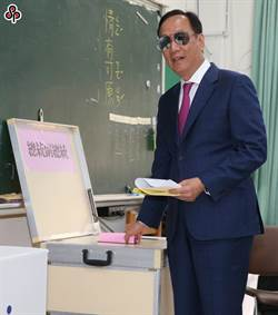 短評:郭台銘無中心思想 2024無望