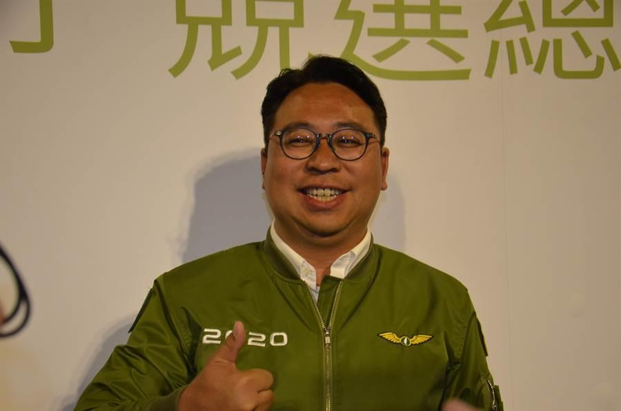 民進黨立委候選人黃士杰自行宣布當選。(賴佑維攝)
