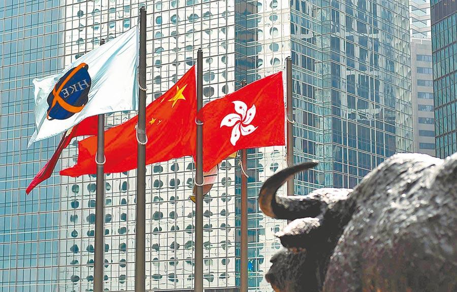 看好藍籌股的投資人可以選擇追蹤上證50、富時中國A50、滬深300以及MSCI中國指數等ETF。(新華社資料照片)