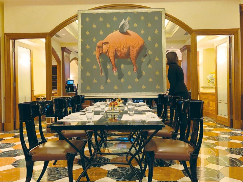 ONE ART Taipei藝術台北尚未正式展出,但現在到西華飯店TOSCANA義大利餐廳用餐已可感受濃濃的藝術氛圍。圖/吳正弘