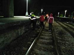 旅客疑闖越軌道 釀普悠瑪死亡車禍