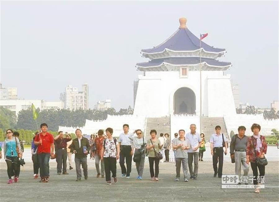 民進黨總統、立委選舉狂勝,陸客觀光產業已看不到希望。(資料照片)