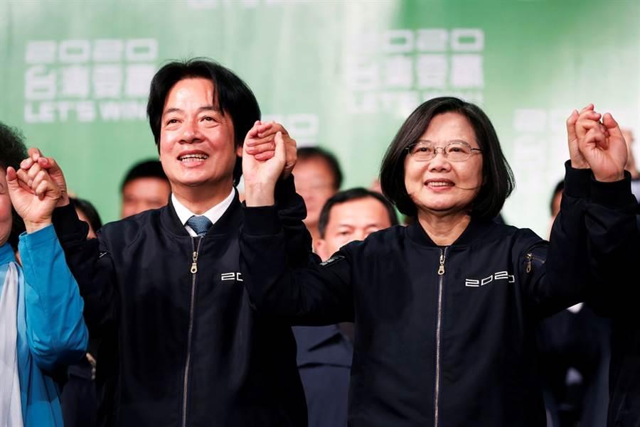 蔡英文總統順利連任,香港《南華早報》引述學者分析指出,台美陸三方關係將更為複雜。(圖/路透社)