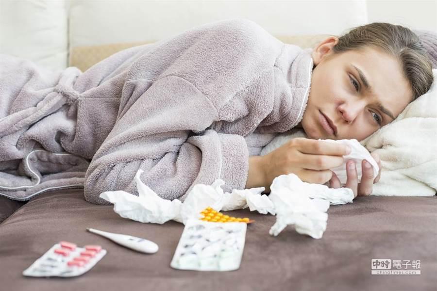 命理專家毛衣老師表示,2020鼠年可能是個流感年,要多注意身體。(示意圖/shutterstock授權提供)