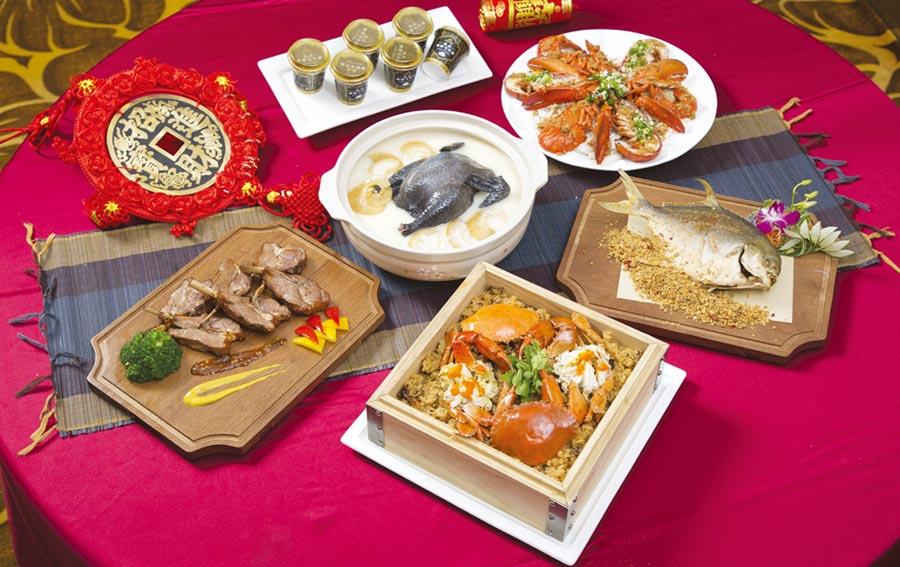 晶宴會館推出新春外帶年菜組,特惠價3,980元起,在家輕鬆享用大廚珍饈美饌。圖/業者提供