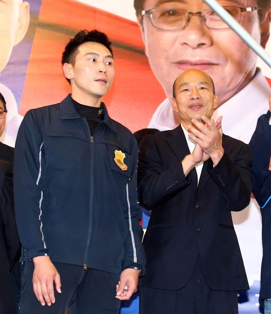 被稱為「特勤吳彥祖」的林政宏(左),近日內將要歸建國安局,未來的動向引起網友專注。(陳信翰攝)
