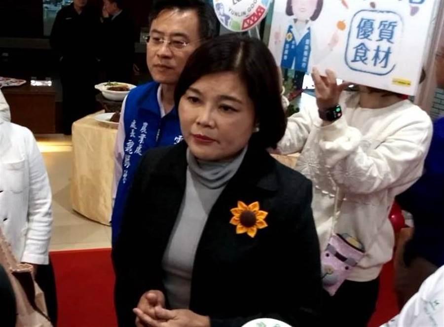 雲林縣長張麗善(前)評論此次大選,她認為國民黨慘敗遇遇到大海嘯,和韓國瑜個人無關。(許素惠攝)