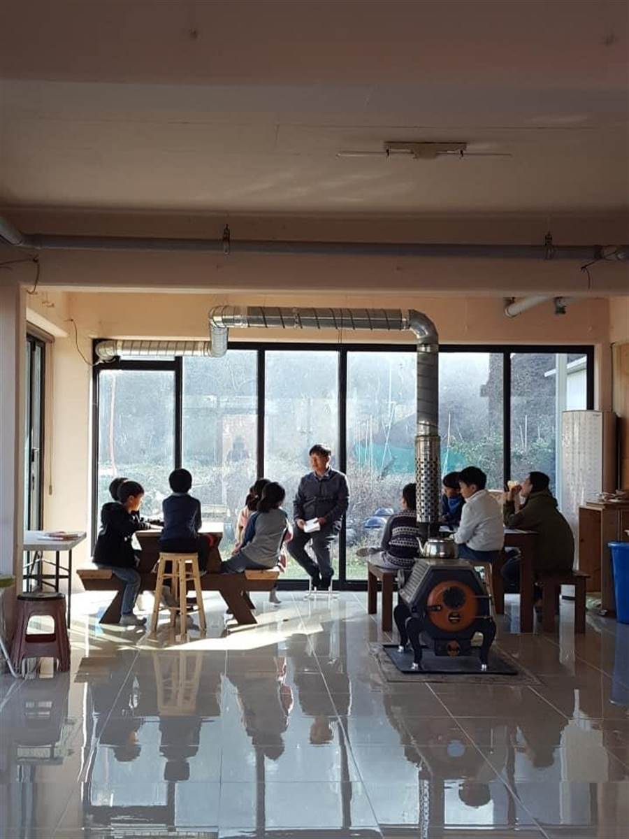 韓國全學大學讓學習者一邊上大學,一邊「造村」,推動非消費主義式的地方創生與生活型態。(台灣青年國際實驗高等教育知行聯盟提供/林志成台北傳真)