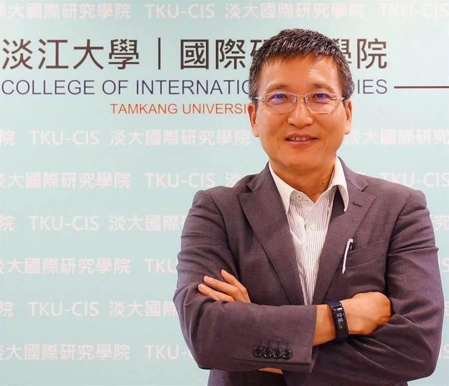 淡江大學兩岸關係研究中心主任、淡大中國大陸研究所前所長 張五岳。(圖/取自張五岳臉書)