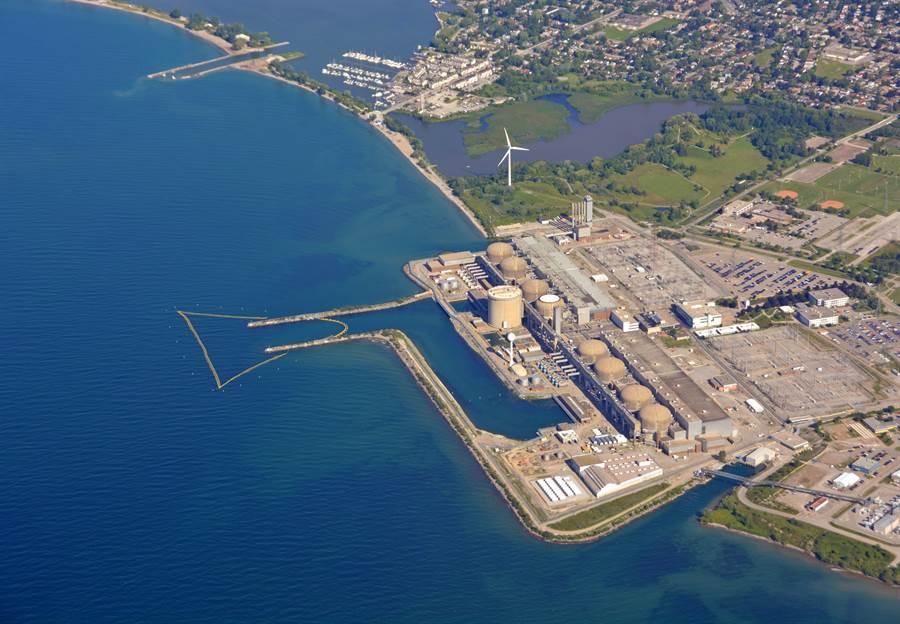 加拿大皮克林核電廠位於安大略湖畔,昨天該廠發生事故的假警報,把加拿大人嚇得魂飛魄散。(圖摘自shutterstock)