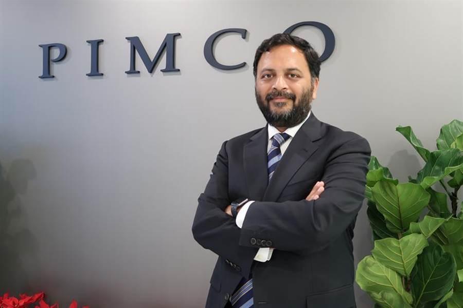 (PIMCO董事總經理暨全球投資組合管理團隊主管Sachin Gupta 13日來台發表2020年PIMCO最新七大總經預測。圖/魏喬怡)