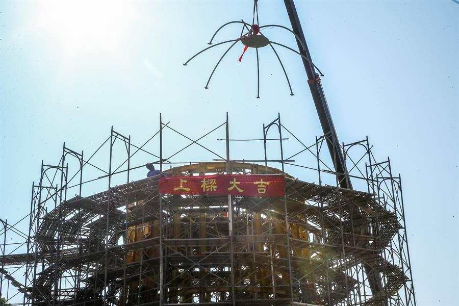 台灣燈會主展區將於2月8日在后里花博園區登場,主燈「森生守護-光之樹」上樑儀式13日舉行。(陳淑娥攝)