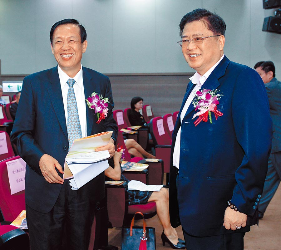 商總理事長賴正鎰(左)的任期在今年中屆滿,台灣人壽副董事長許舒博(右)可望接任。(本報資料照片)