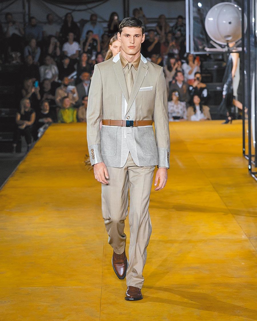Burberry 2020春夏服裝以進化為主題,正裝中帶點街頭感。(Burberry提供)