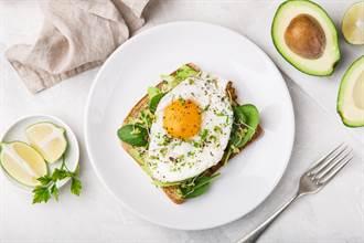 每天吃蛋膽固醇會超標?  專家:看這點決定