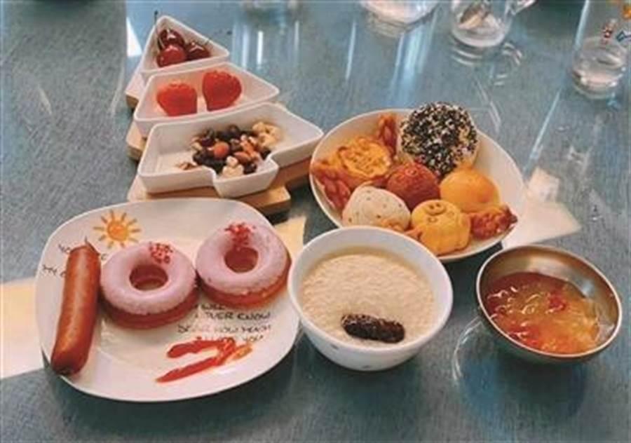 迎子女期末考南京家長做「100分」早餐。(照片取自壹讀網)