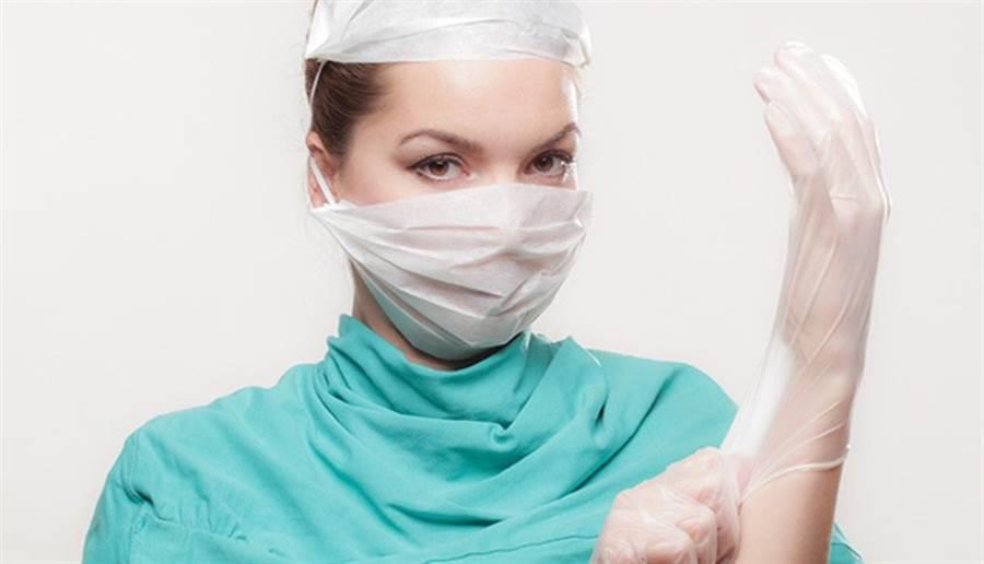 醫師用沖洗的方式為女子清潔耳垢,結果造成永久傷害。(圖片來源:pixabay)