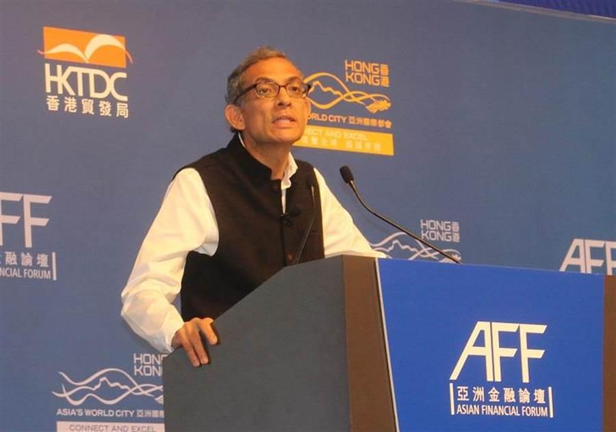 2019年諾貝爾經濟學獎得主班納吉(Abhijit Banerjee)表示,大陸脫貧政策取得成功。(圖/譚有勝)