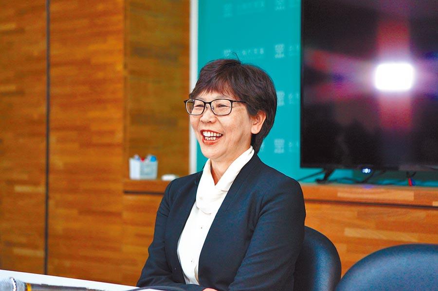 民眾黨立委當選人蔡壁如13日宣布,未來準立委賴香伶將擔任黨團總召。(張立勳攝)