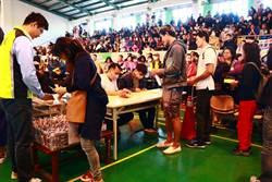 潮州春節市集搶攤太激烈 公所「在攤位上動手腳」防黃牛