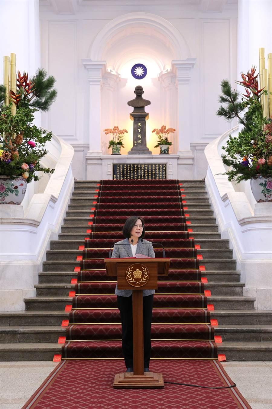 蔡英文總統在總統府敞廳發表談話。(黃世麒攝)