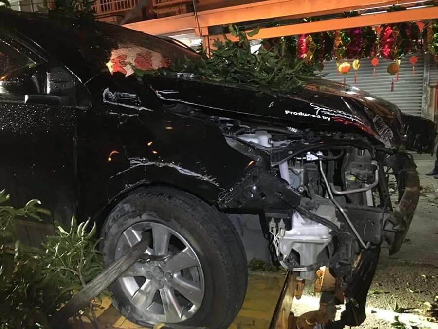 車頭嚴重毀損。(翻攝照片/楊漢聲台東傳真)